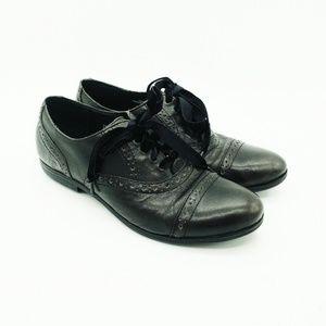Born Oxford Shoes Size 7